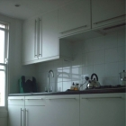 Fully fitted modern kitchen with tiling (Warwick Avenue)
